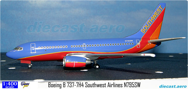 Boeing B 737-7H4 Southwest Airlines N795SW